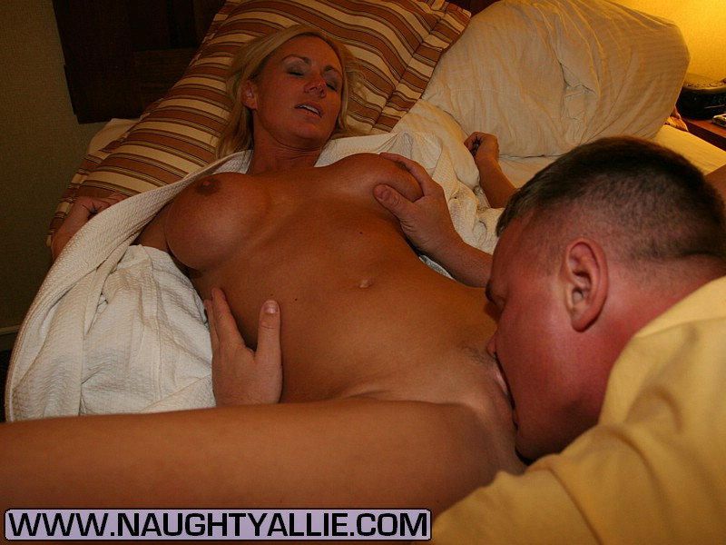 Naughty allie hotel room threesome