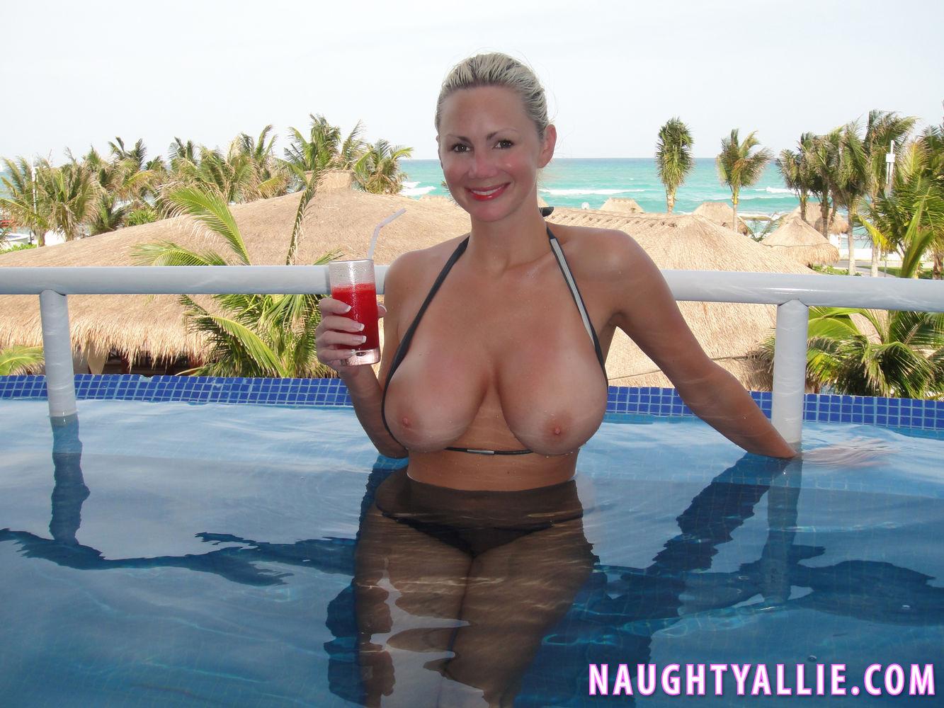 Voyeur topless amateur milfs spy beach closeup hd video 6